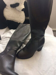 Selling BRAND NEW pair of knee high boots!!! Kitchener / Waterloo Kitchener Area image 3