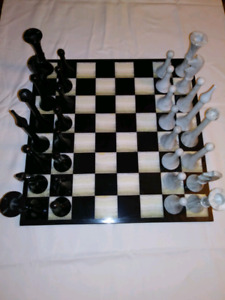 VINTAGE CHESS SET 50 YEARS YOUNG
