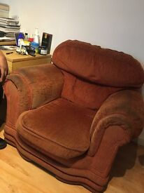 Sofa to sale quicly