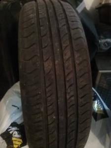Quatre pneus d'été