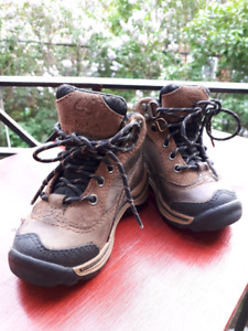 Waterproof toddler hiking boots
