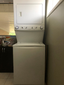 Washer/Dryer  Electric Laundry Center/Combo ONLY 475