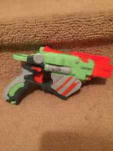 Various Nerf Guns and Accessories Cambridge Kitchener Area image 6