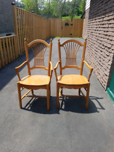 6 Solid oak dining chairs - mint condition