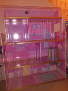DOLLHOUSE-PINK, BEAUTIFUL, NEW-LIKE-PRICE REDUCED