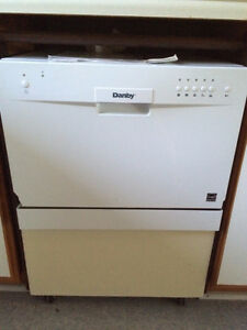 Danby Portable Diswasher w/ Custom Trolley - 6 Place Setting