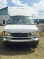 2004 E 450 Super Duty Cube Van