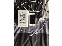 iPhone 5s 32GB Gold - Unlocked to all networks!