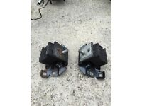 Nissan Navara 2008 Front engine mounts