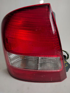 99 00 01 02 03 Mazda Protege OEM Sedan TAIL LIGHT LEFT SIDE