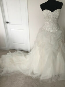 Wedding Dress: Alfred Angelo Disney Collection TAGS STILL ON!