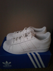 Adidas Superstar  W All White 7.5 Brand New Never Used