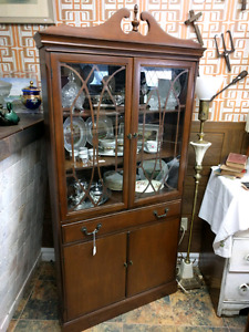 Antique Mahogany Corner Hutch