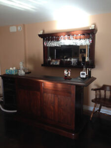 Beautiful Bar, Bar mirror and beer/wine fridge