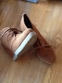 Brown wedges size 6