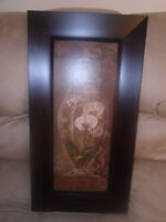 Beautiful picture decor. Great condition. 20$  Size 13 1/8 / 25