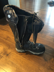 New Never worn Scent Blocker hunting boots