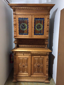Original French Antique buffet and hutch (early1900's) solid oak