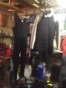 wetsuit, dive knives Sarnia Sarnia Area image 1
