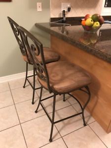 Set of 2 iron swivel chair bar stools