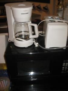 Kit de cuisine (Petit frigo, Micro-Onde et Grille-Pain)