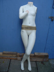 2 used life size mannequin West Island Greater Montréal image 2