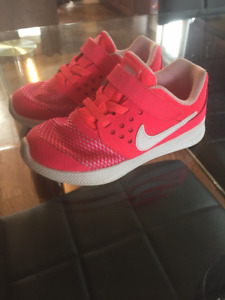 Toddler Girls Size 9 Nike Sneakers(PINK)!! Like new!!! $30