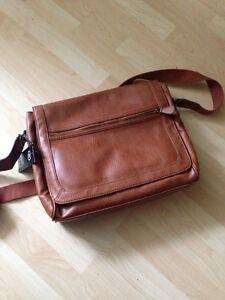 Messenger bag, brand new condition  Cambridge Kitchener Area image 1