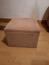 Footstool/Pouffe Ottoman