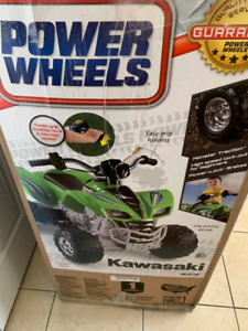 POWER WHEELS Kawasaki 4 Wheeler