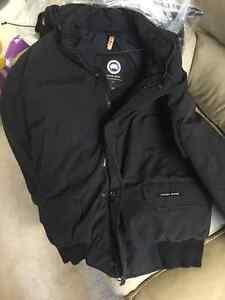 Canada Goose kensington parka online fake - Canada Goose Jacket Bomber | Buy or Sell Clothing in Ottawa ...