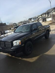 2006 DODGE DAKOTA fully loaded