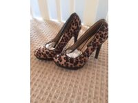 Free heels size 35 brand new, never worn