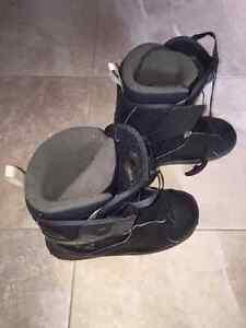 Men's Salomon snowboard boots in great condition