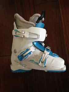 Kids Nordica 22.5 ski boots (one season only)