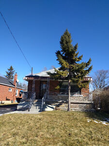 3 Bedrooms House for Rent - Kennedy/Eglinton