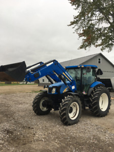 New holland tractor no def no  E missions  Less than 700 hrs