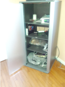 Storage cabinet for student