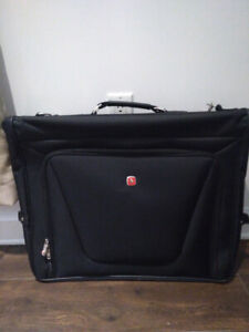SWISSGEAR Clamshell bag