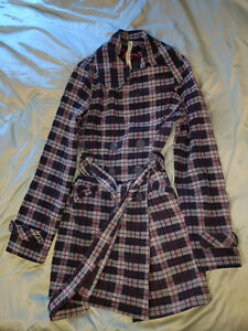 Like New Size 6 lululemon Trench coat - Soft and oh so warm <3