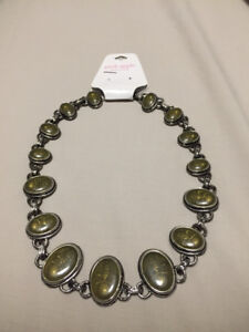 NEW Beautiful Chunky Necklace