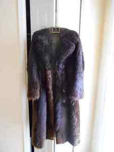 Beaver fur coat\ manteau de fourrure en peau de castor Watch Sha