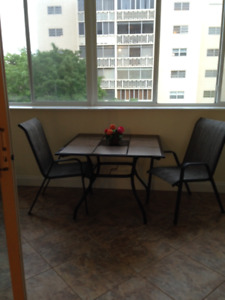 BRIGHT APARTMENT FOR RENT IN HALLANDALE FLORIDA