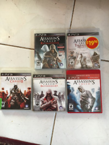 Lot de 7 jeux Assassins Creed pour la Playstation 3   35$