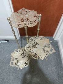Solid butterfly brass table stand
