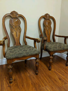 Set of two antique chairs with handcrafted details