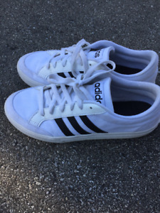 Adidas Black and White Canvas Tennis Shoes M8/W10