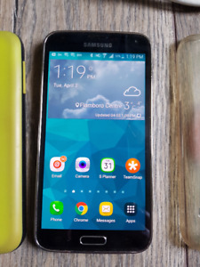 Mint Samsung Galaxy S5, like new condition, 2 cases, unlocked