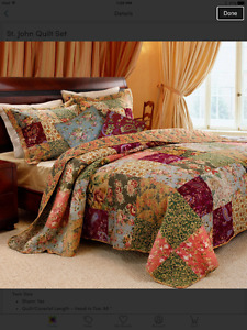 Country style quilt with pillow shams and curtains