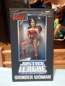 Wonder Woman Justice League Unlimited Femme Fatales Figure